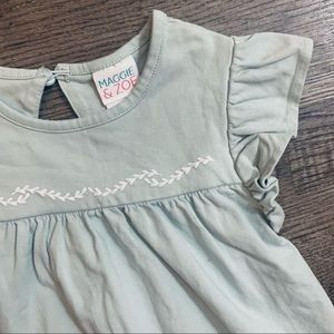 Maggie & Zoe Lit Green /Embroidered White Top SZ 4
